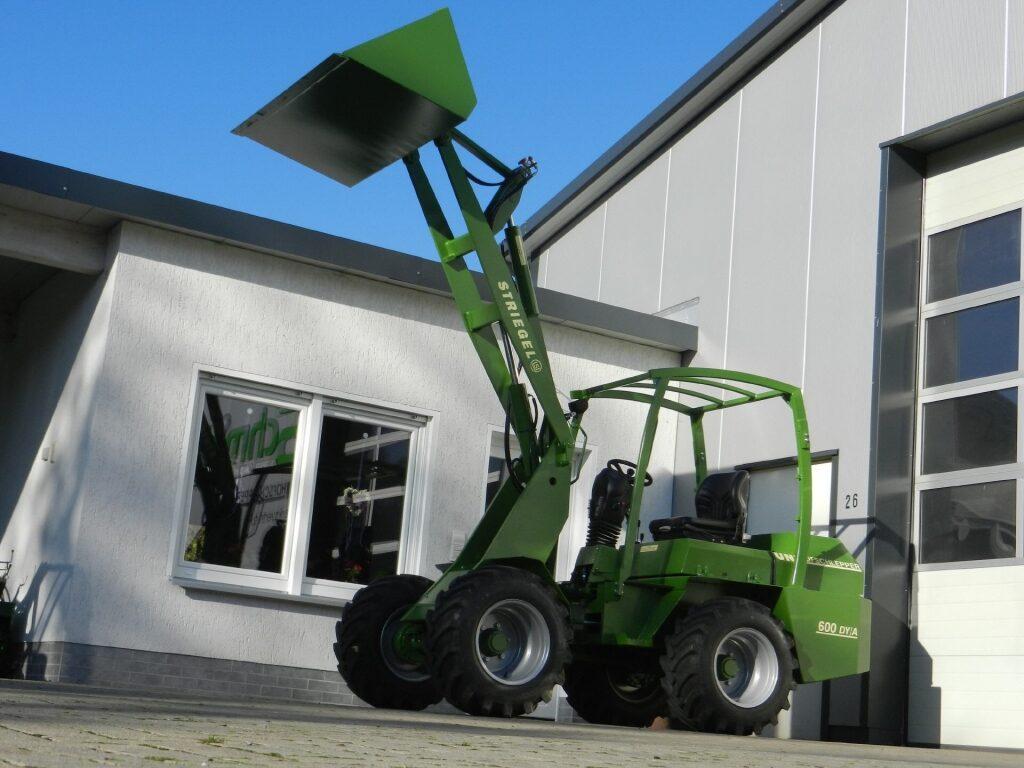 Striegel 605YA (1550 kg, 50 Zs)