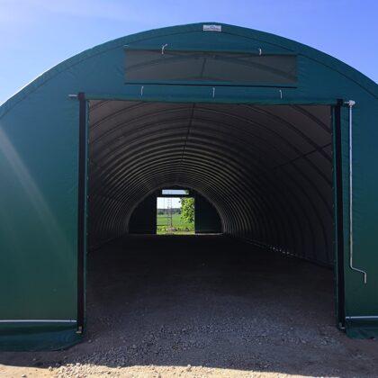 Gala siena ar paceļamajām durvīm un roll - up sistēmu (P-4, A-3.8m)